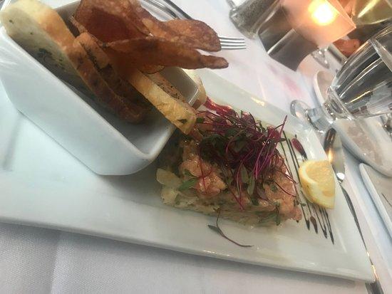 Restaurant L'Orchidee: Tartare de saumon