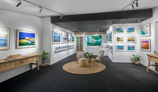 Нуса, Австралия: Paul Smith Images Gallery. A new modern gallery in the heart of Noosa Junction, featuring stunni