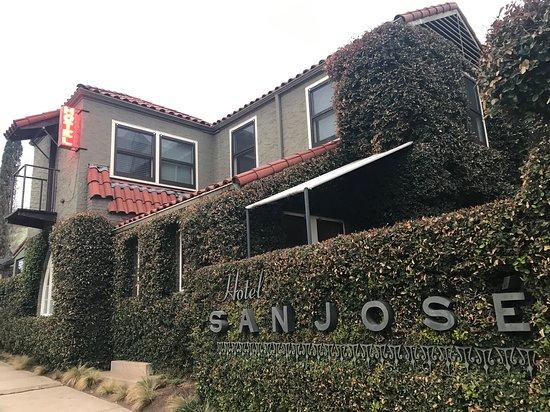 Hotel San Jose: Sign