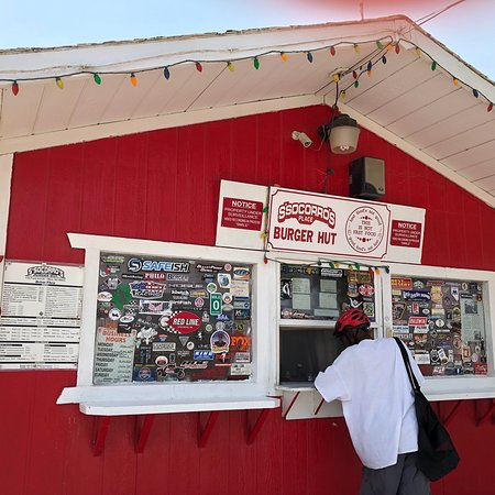 Mina, NV: Had lunch at this great little place.  Despite the intense heat we enjoyed eating outside at the