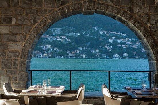 Torno, Italie : Restaurant