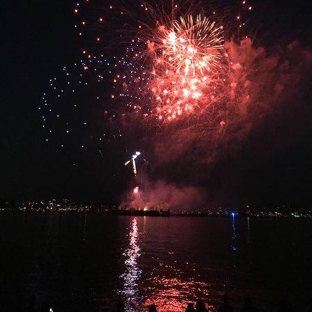 i got the hook up fireworks