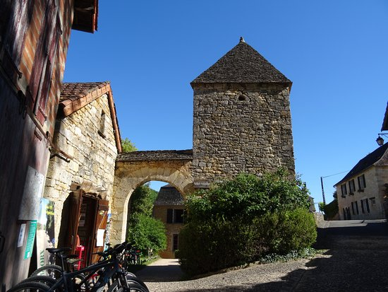 Office de Tourisme Saint-Amand-de-Coly