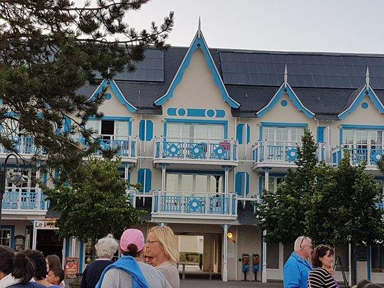 Pierre & Vacances Village Belle Dune: appartement donnant sur la place