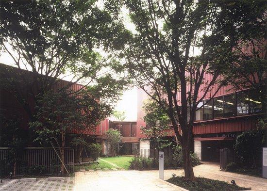Nerima, Japan: 美術館外観 駐車場もあります(乗用車3台、身障者用1台)。 撮影:中川敦玲