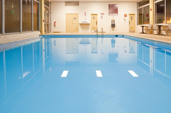 Mayfield, OH: Pool