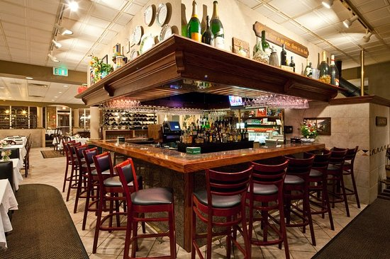 Mayfield, OH: Bar/Lounge