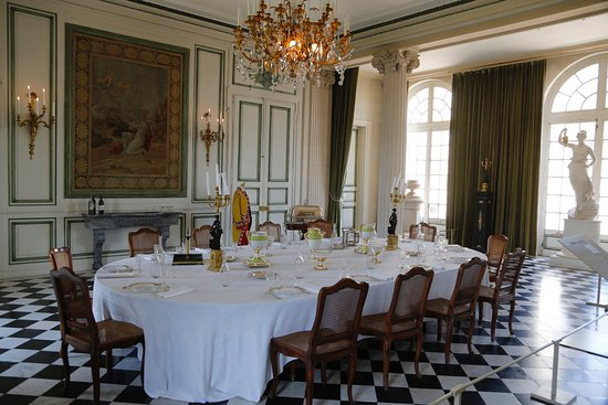 habit de cérémonie de M. de Talleyrant - Photo de Chateau de ... 7563b3386e5