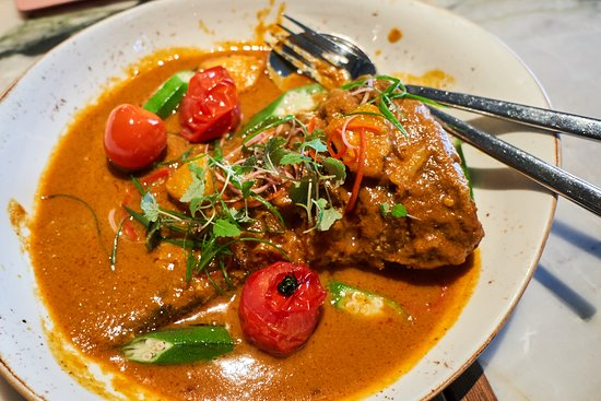 Po : Curry fish tail