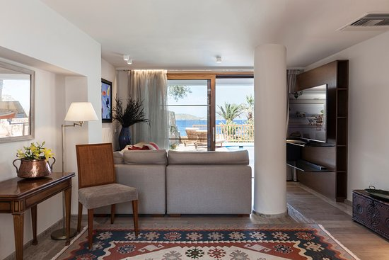 Elounda Mare Relais & Chateaux hotel: Minoan Royalty Suite with private pool