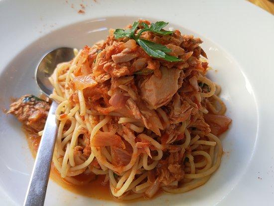 La Piazza Pizzeria: Spaghetti Tonijn