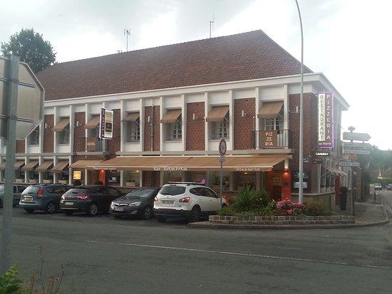 Aumale, Frankrig: Restaurant/Hotel La Mama