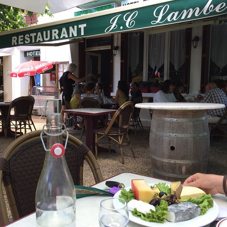 Saint-Georges-de-Montclard, Francia: Restaurant Chez Lambert