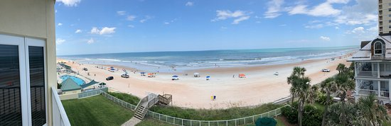 Royal Floridian Resort: Pano of our view from the balcony. Love it