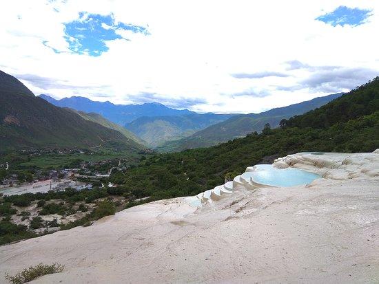 White-Water Terraces (Baishuitai): White water terrace