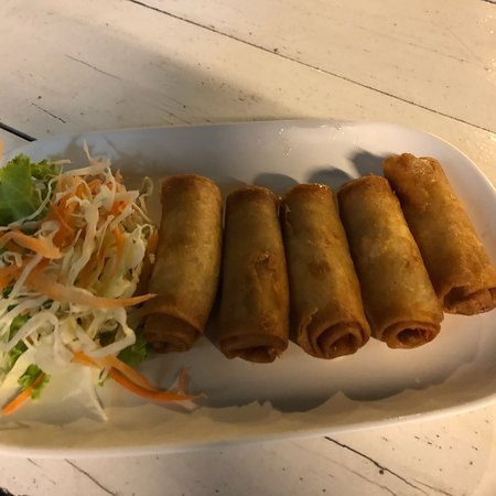 Bangsaen, تايلاند: Great food to share with friends!
