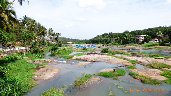 Kanyakumari District, อินเดีย: View from bridge near Thirparappu weir