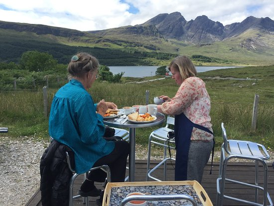 Blue Shed Cafe: service with a view
