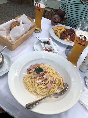 Le Gourmet Taverna Picture