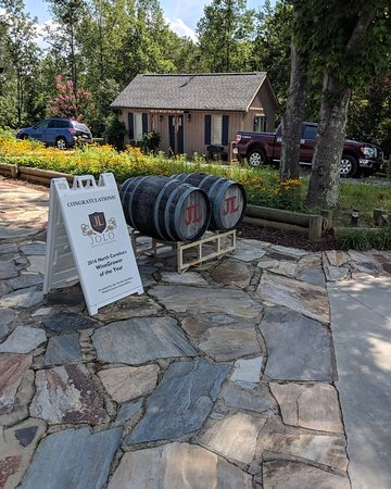 JOLO Winery & Vineyards: IMG_20180728_173906_432_large.jpg