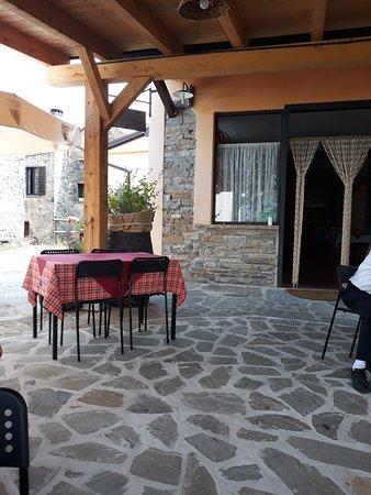 Valmozzola, Italia: 20180729_150733_large.jpg