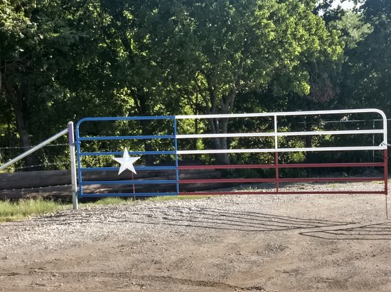Midlothian, TX: Gates to the best range is Texas