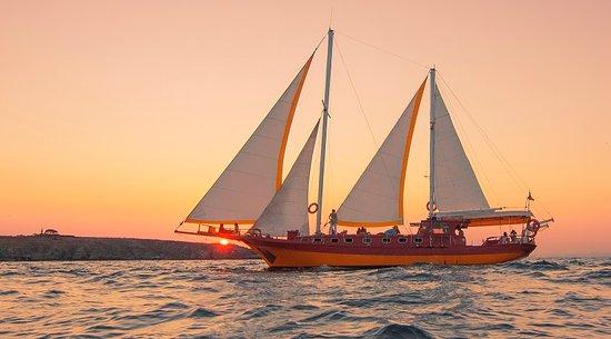 Sozopol, بلغاريا: sunset cruise