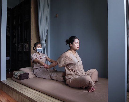 ‪Sabaai Sabaai Thai Massage‬