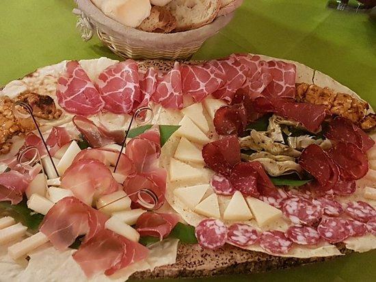 Osilo, Italy: 20180728_210638_large.jpg