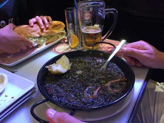 Canaletas: Paella à l'encre de séche