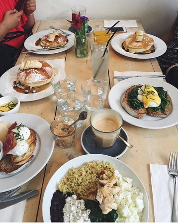 Some of the brunch dishes we tried