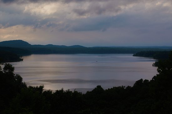 Salt Lick, เคนตั๊กกี้: Cave Run Lake from scenic overlook
