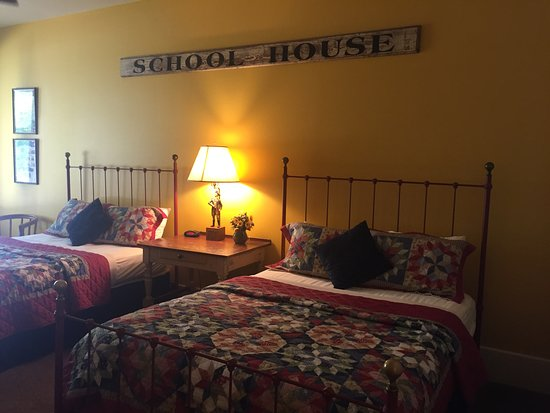 Meyer Bed and Breakfast on Cypress Creek: Mercantile room 802