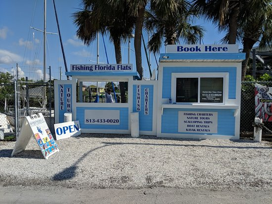 Book and check in for your charter or tour at our Hudson Kiosk.