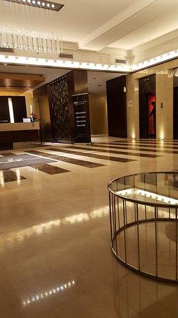725 Continental Hotel: RECEPÇÃO DO HOTEL
