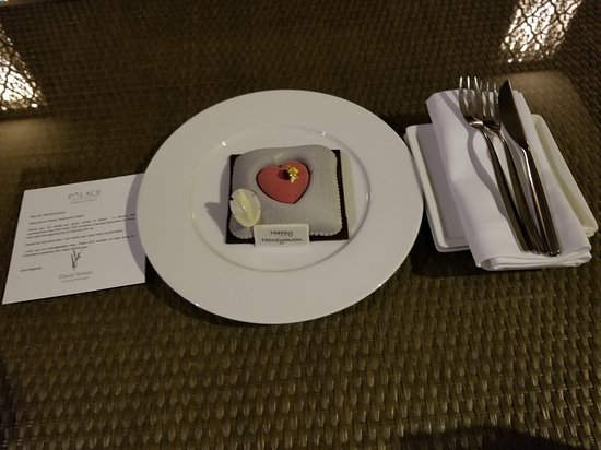 Palace Downtown: Surprise note for our honeymoon