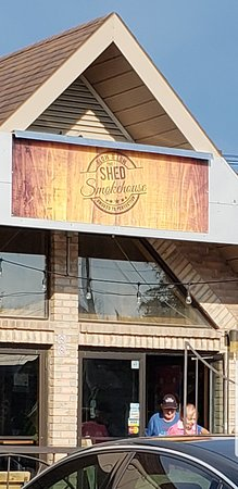 Sutton, Canada: The Shed Smokehouse