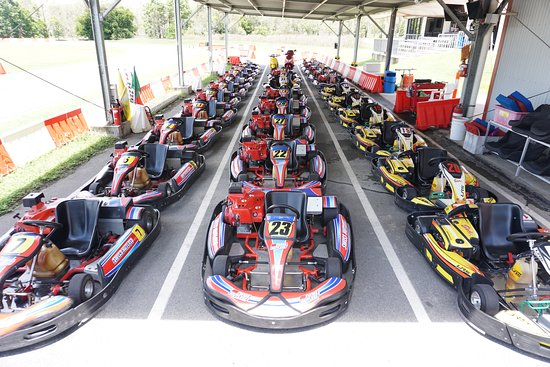Mareeba, Australia: Large range of go karts for ages of 4 years old and up