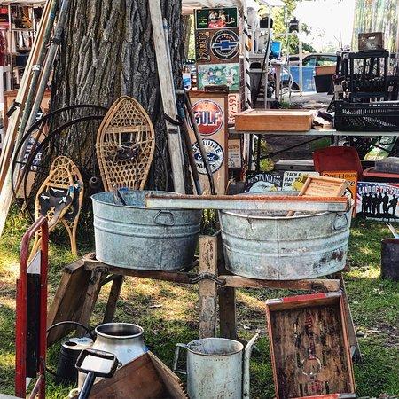 Shady Hollow Flea Market Photos From Cabinarket Field Vendors