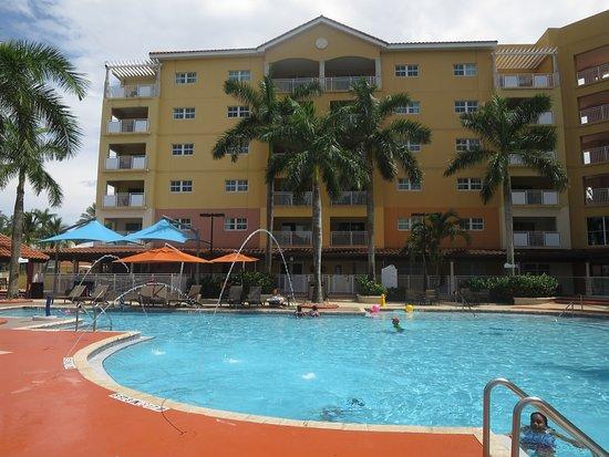 Marriott's Villas at Doral : Wonderful pool!!!