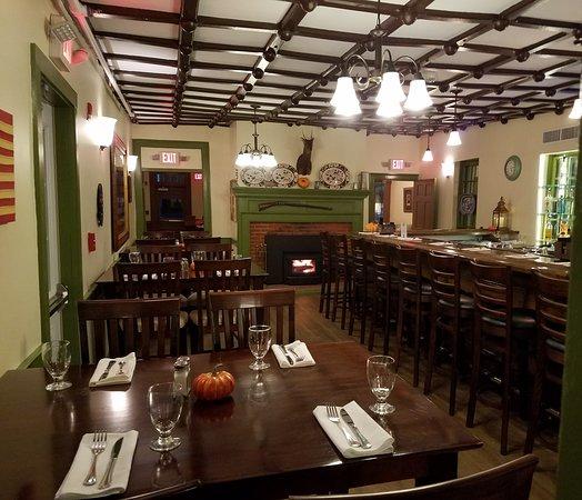 ปรินเซสแอนน์, แมรี่แลนด์: The Tavern at The Washington Inn