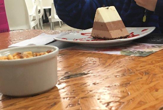 El Veridico de Fidel de Miraflores: Postre de 3 tipos de chocolate.