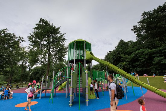 Verona, NJ: PLay Area