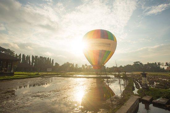 The Restaurant at The Chedi Club Tanah Gajah: Hot Air Balloon Experience - 7