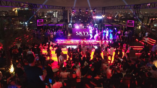 Sky XX - Garden & Lounge