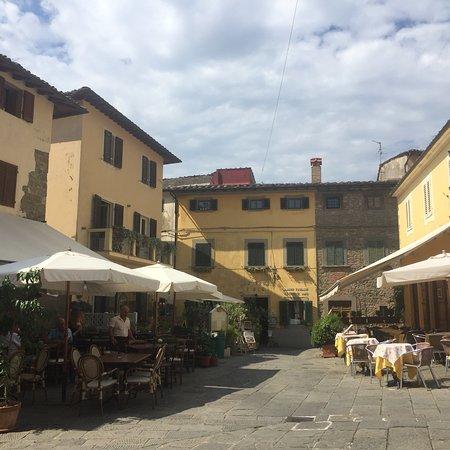 Piazza Giuseppe Giusti : photo4.jpg