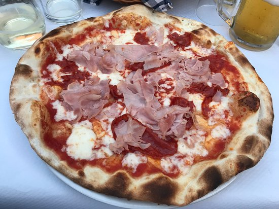 Carrosio, Italie : pizza 007