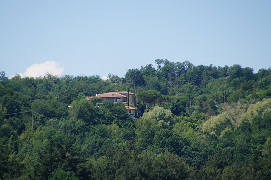 Orturano di Bagnone, Italy: View at the agriturismo from Canale.