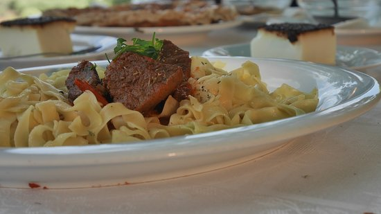 Lithotopos, Greece: Buffalo wıth traditional pasta.