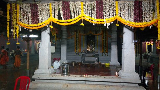 Belthangady, Indien: God